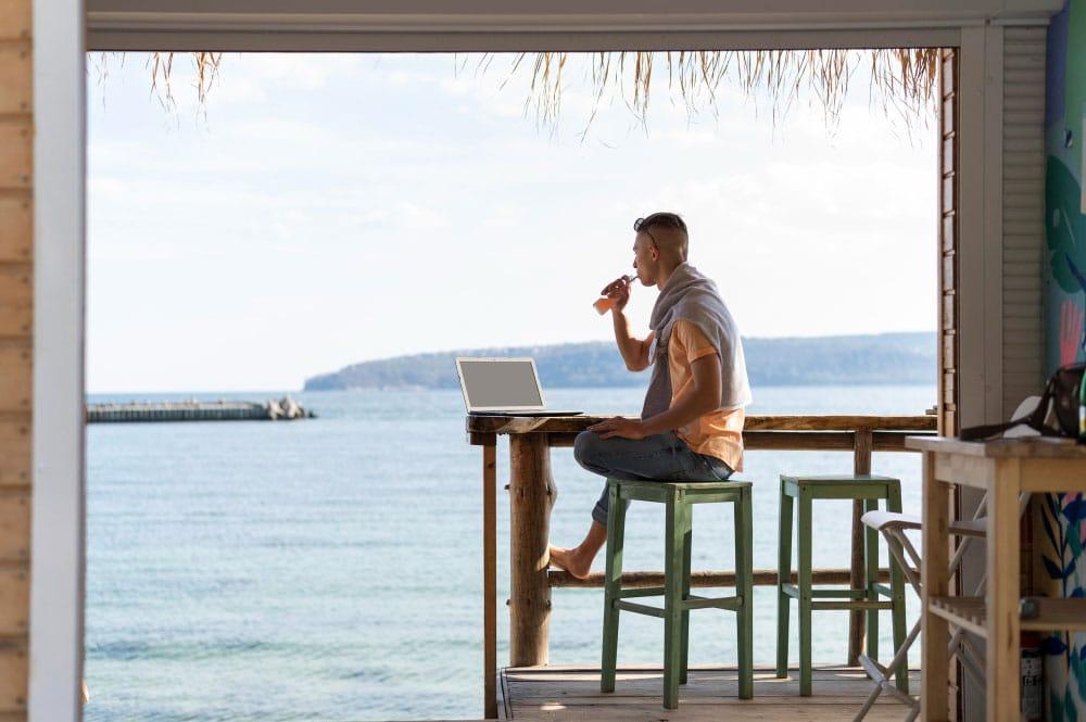 Business en ligne et digital nomade : le combo parfait en 2021 ? 1